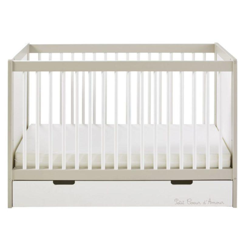 lit à barreaux avec tiroir